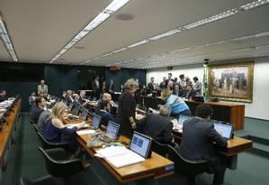 Comissão de Constituição e Justiça (CCJ) volta a discutir nesta terça-feira o relatório da reforma da Previdência Foto: Jorge William / Agência O Globo