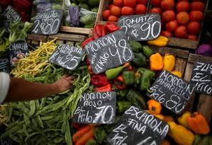 Preços na Argentina Foto: AGUSTIN MARCARIAN / REUTERS