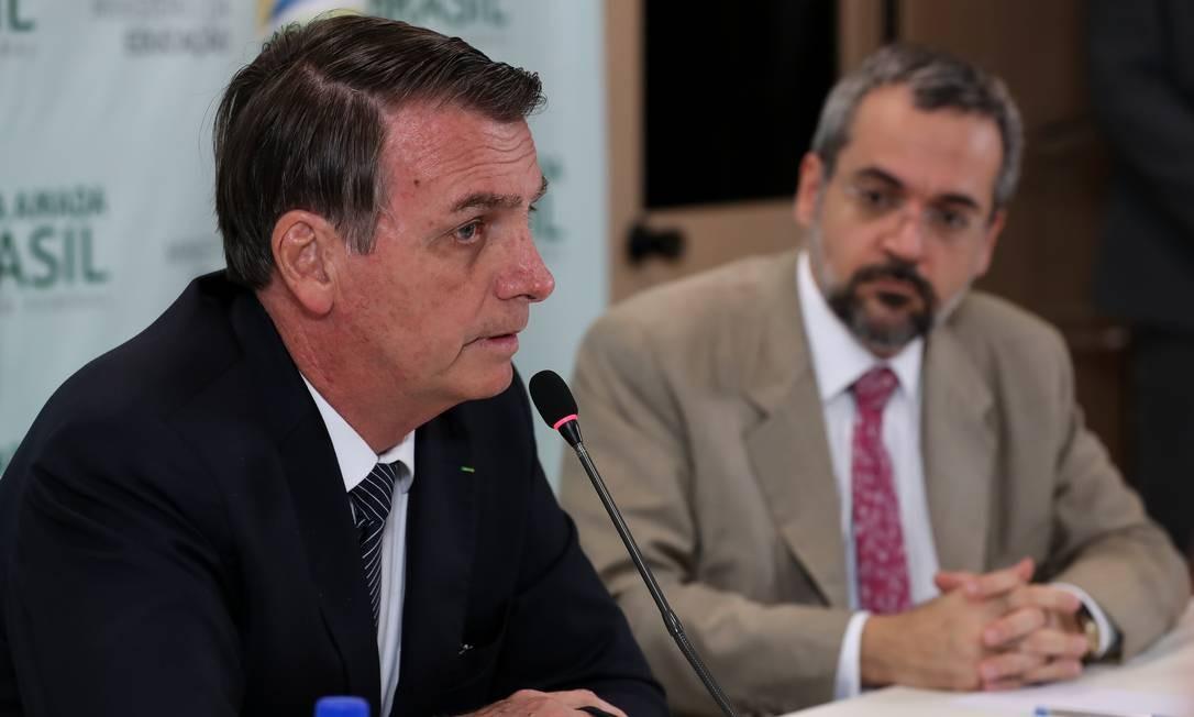 Presidente JAir Bolsonaro e o ministro da Educação, Abraham Weintraub Foto: Marcos Corrêa / Agência O Globo
