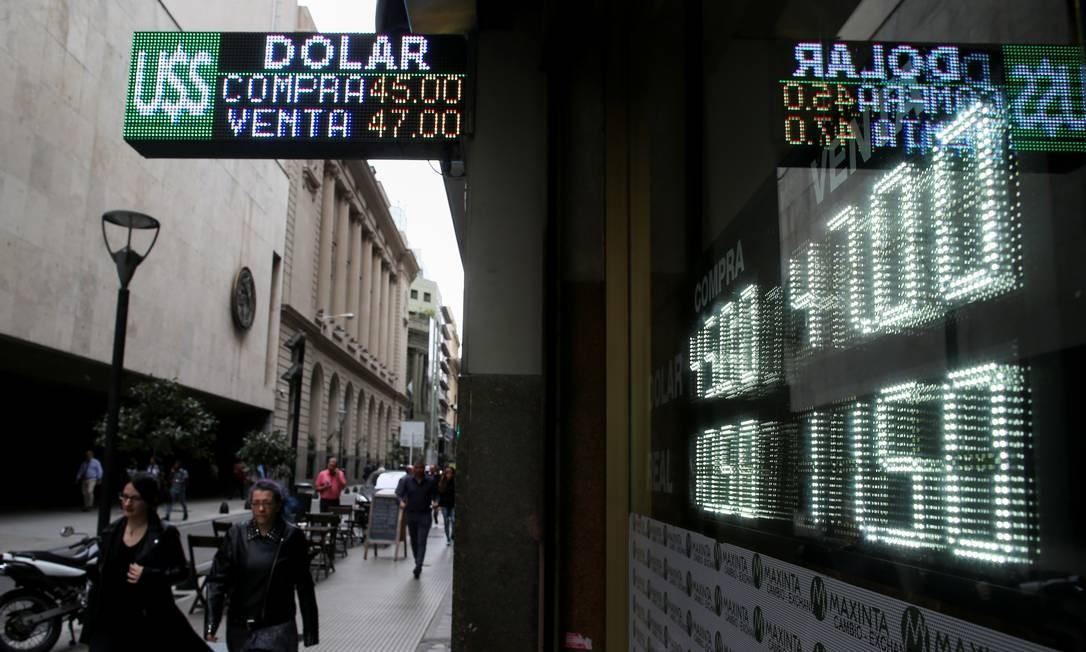 Casa de câmbio em Buenos Aires Foto: Reuters