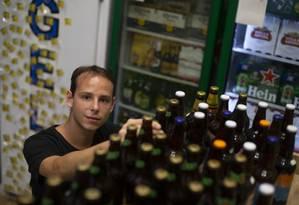 Leon Schaefer, dono do 'Alô Madruga', conta como é dificil crescer no ambiente de regras complexas do Brasil Foto: Alexandre Cassiano / Agência O Globo
