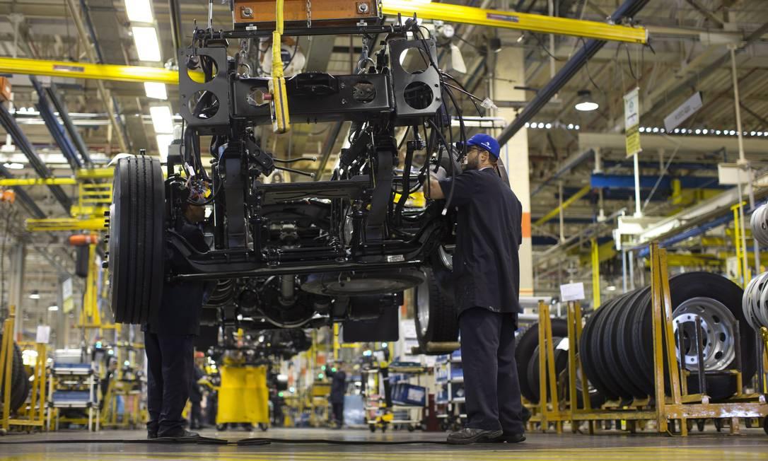 Em maio, o governo reviu sua projeção de crescimento do PIB de 2,2% para 1,6% Foto: Márcia Foletto / Agência O Globo