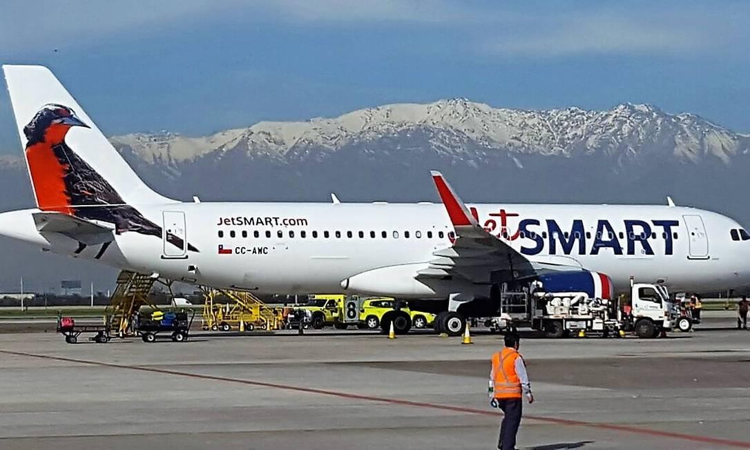 Aeronave Airbus A320 da JetSmart no Aeroporto Internacional de Santiago Foto: Divilgação