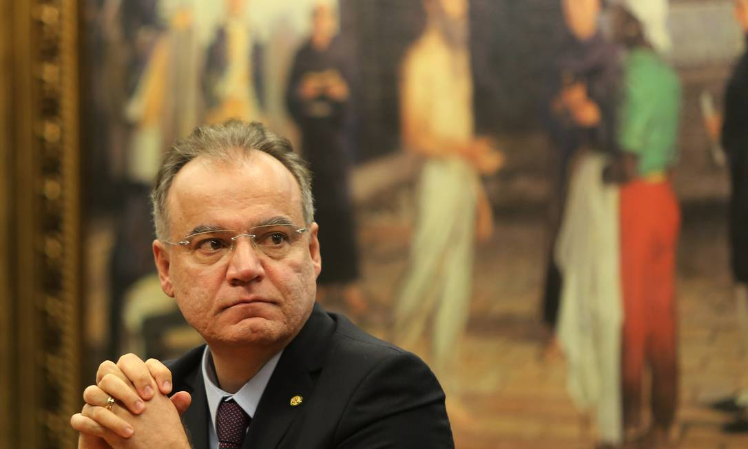 Relator da reforma da Previdência na comissão especial, deputado Samuel Moreira (PSDB-SP) Foto: Jorge William / Agência O Globo