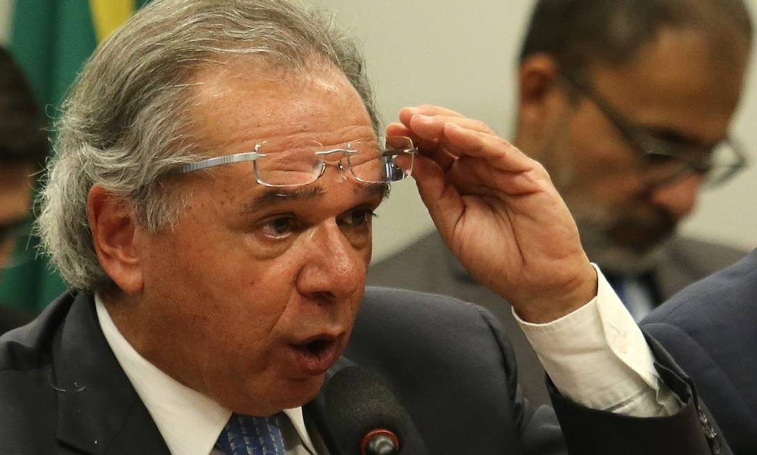 O ministro da Economia, Paulo Guedes, na Comissão Mista do Orçamento Foto: Jorge William / Agência O Globo