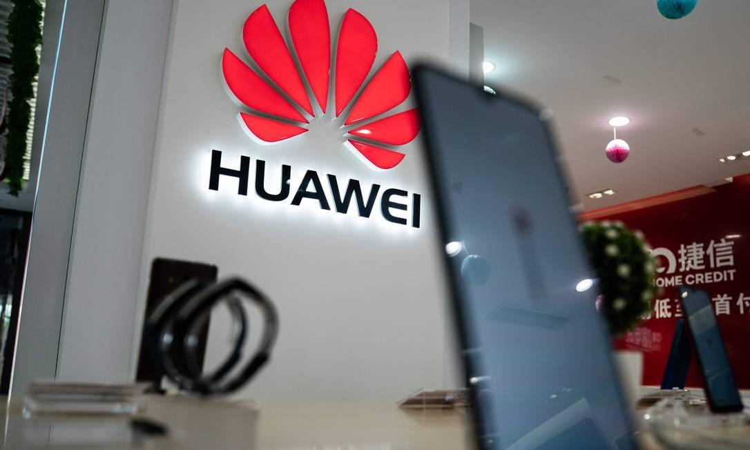 Logo da Huawei em uma loja na China Foto: AFP