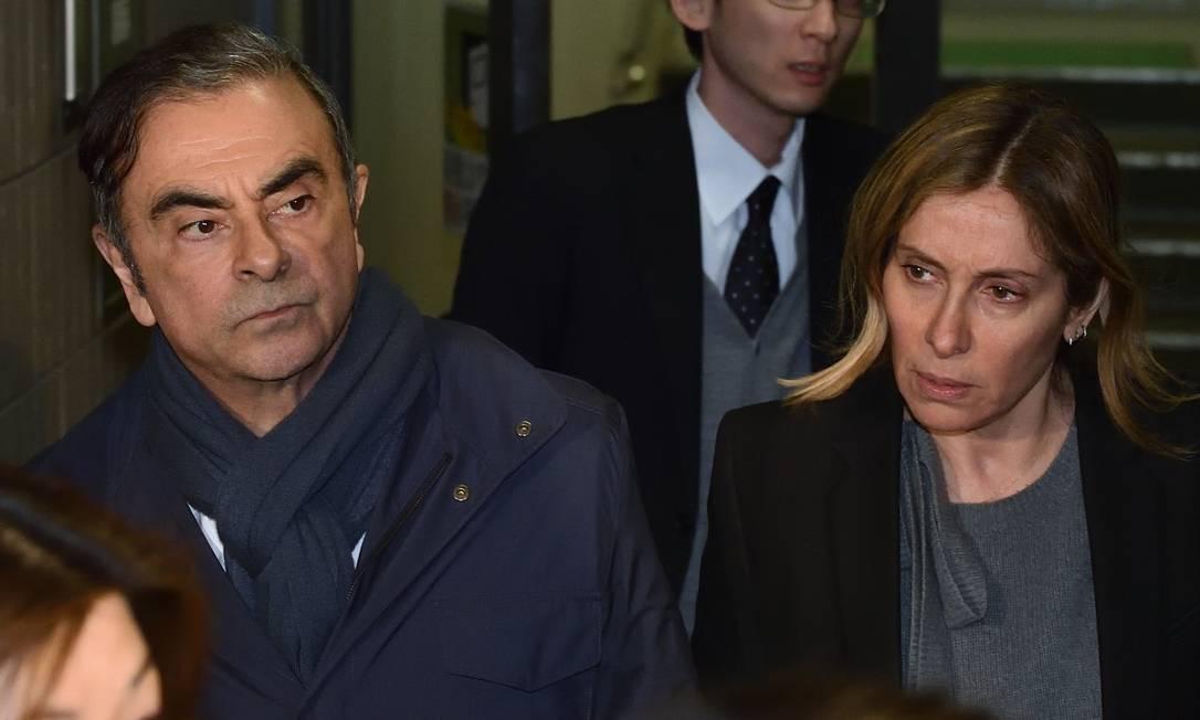 Ex-presidente da Nissan Carlos Ghosn e sua mulher Carole em foto de 03 de abril Foto: Kazuhiro Nogi / Agência O Globo