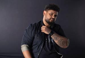 Bruno Dantte, cabeleireiro carioca especializado em cabelos ondulados, cacheados e crespos. Foto: Divulgação