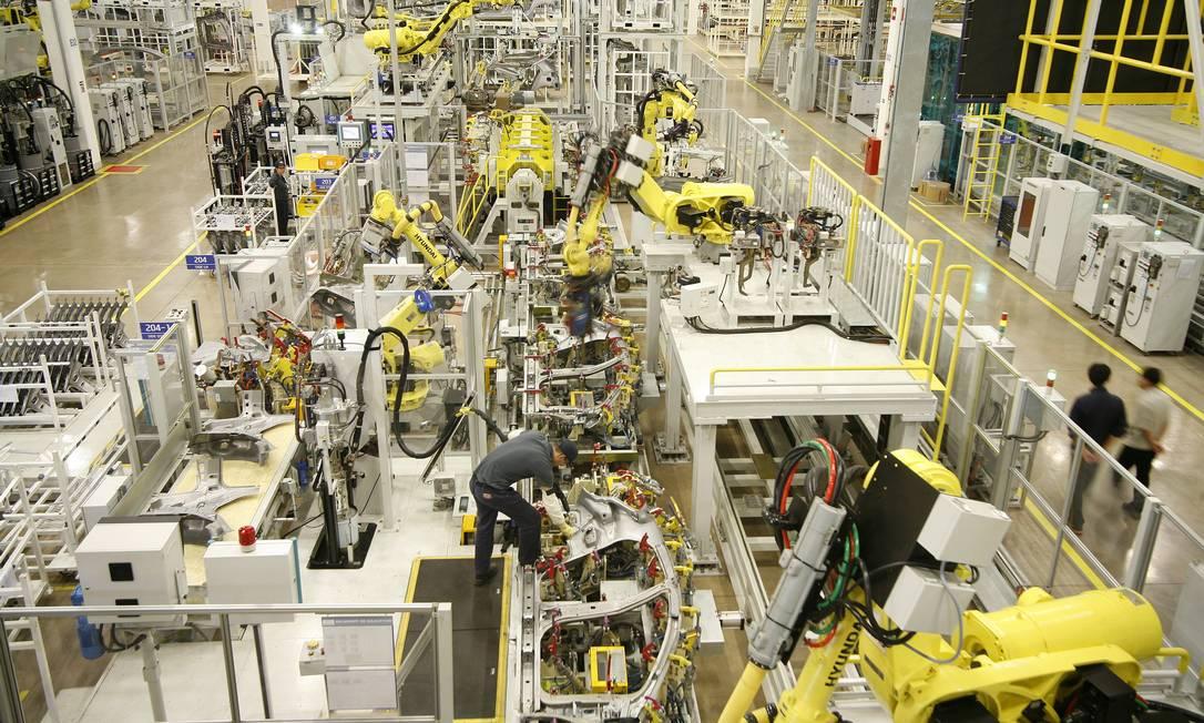 Setor de produção da indústria de automóveis: com juro menor, empresas recorrem ao mercado de capitais Foto: Christiano Diehl Neto / Agência O Globo