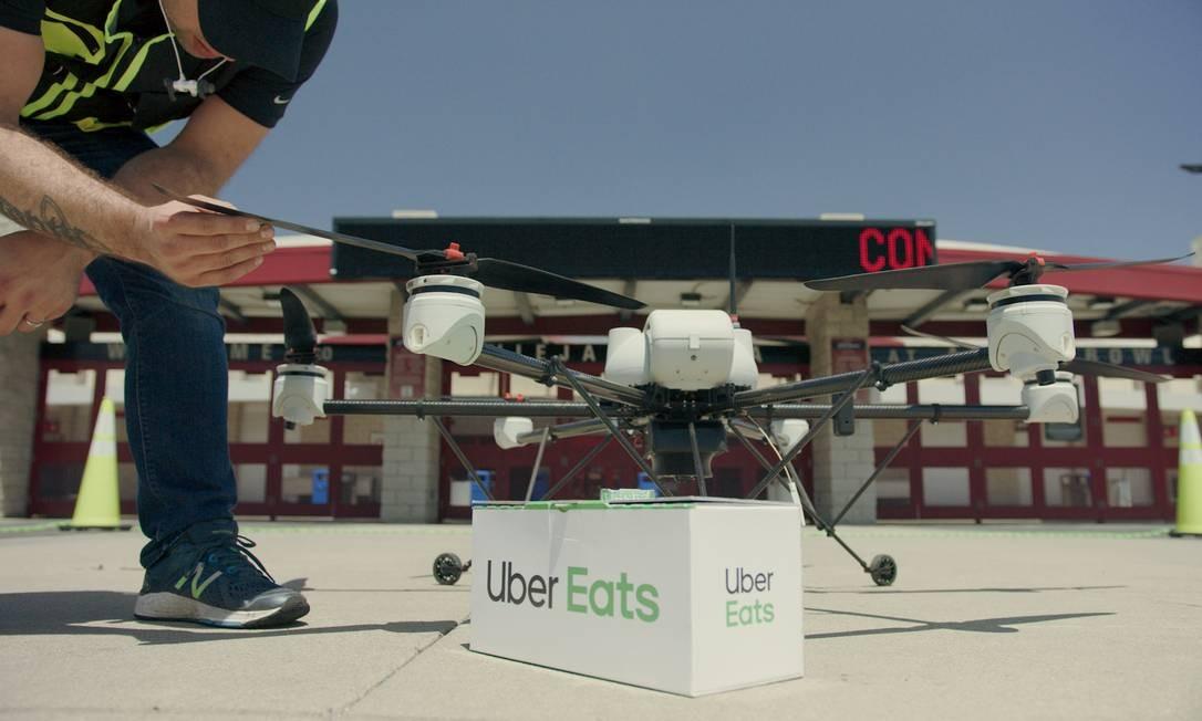 Drones que transportarão pedidos da empresa para centros urbanos Foto: Divulgação