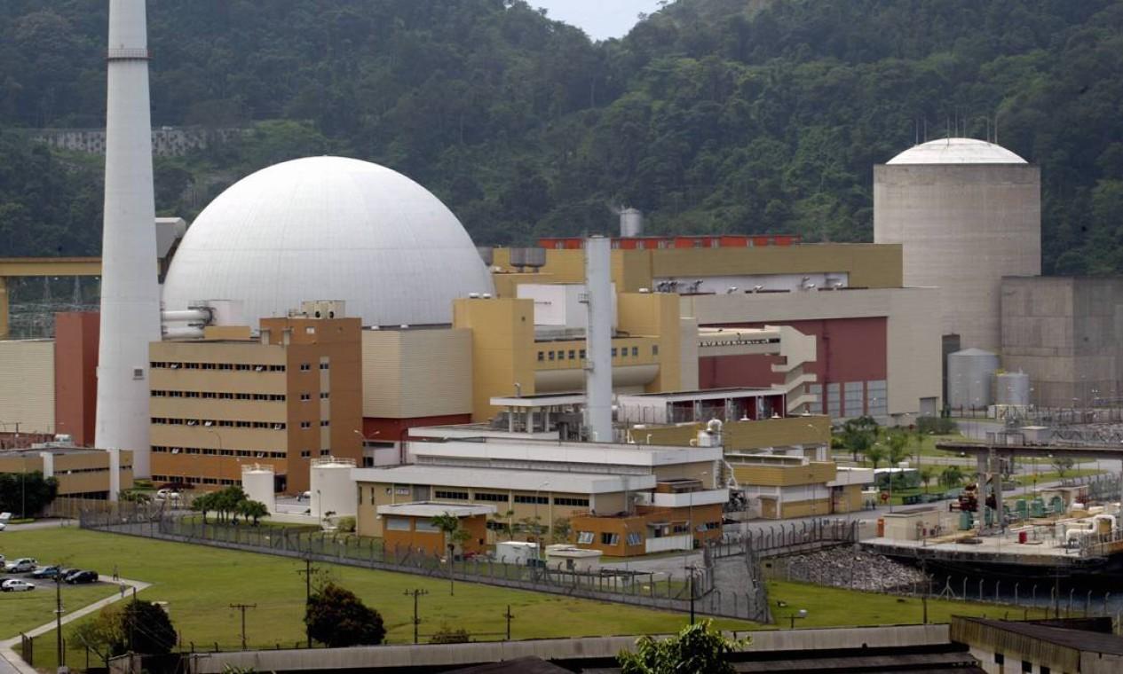 Na década de 1960, a empresa se expandiu no Nordeste e chegou ao Sudeste, com obras como a construção da sede da Petrobras, o aeroporto do Galeão e a usina nuclear de Angra (foto). Foto: Gabriel de Paiva / Agência O Globo
