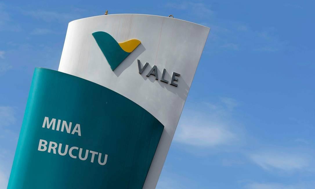 O logo da mina de Brucutu, da Vale, a maior da empresa em Minas Gerais Foto: Washington Alves / Reuters