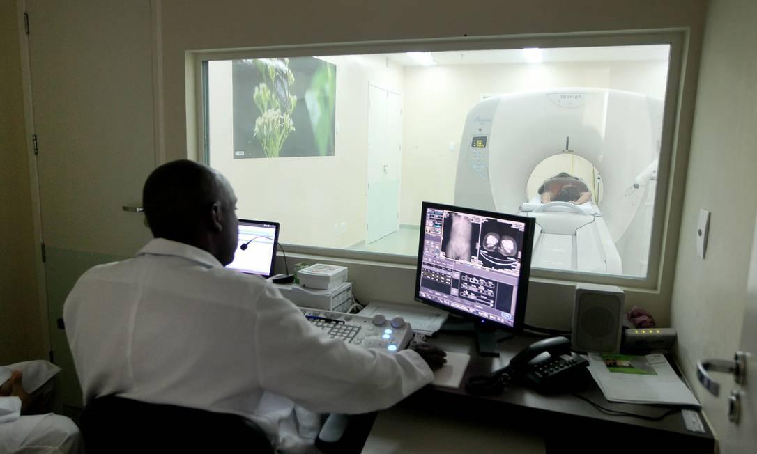 Procedimentos médicos, como tomografia e ressonância magnética, costumam ser cobertos pela maioria dos planos de saúde Foto: Carla Ornelas / Agência O Globo