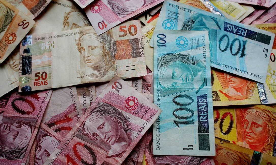 Com dinheiro do FGTS na mão, primeira recomendação é pagar dívidas. Caso sobre recursos, indicação é investir Foto: Pixabay