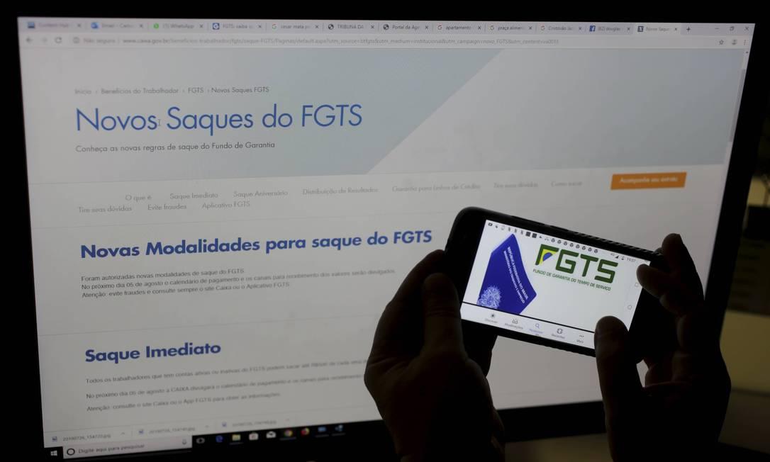 Novas modalidades para saques do FGTS Foto: Domingos Peixoto / Agência O Globo
