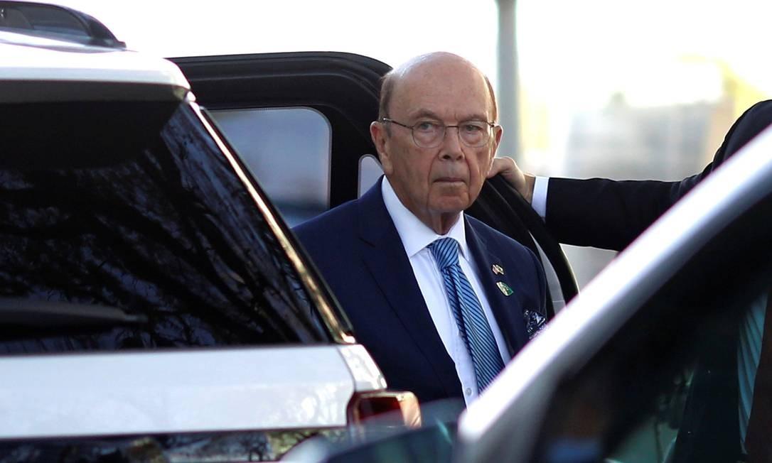 Secretário americano de Comércio, Wilbur Ross, chega ao Ministério da Economia, em Brasília, para se encontrar com Paulo Guedes Foto: Adrianao Machado / Reuters