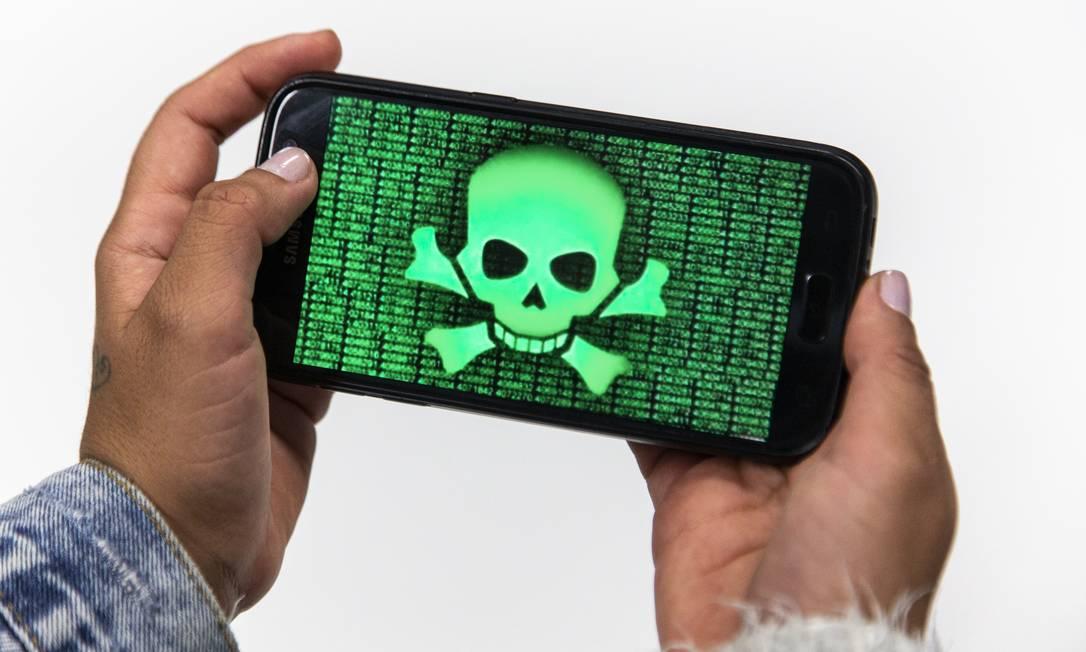 Cibercriminosos brasileiros já exportam seus próprios vírus Foto: Hermes de Paula / Agência O Globo