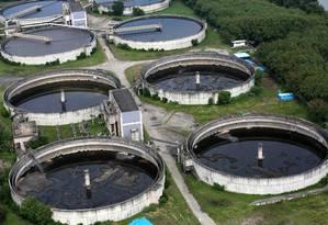 Estação de tratamento de esgoto da Cedae, no Rio Foto: Custódio Coimbra / Agência O Globo