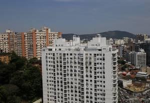 Bancos analisam a possibilidade de adotar financiamento imobiliário semelhante ao da Caixa Foto: Marcos Ramos / Agência O Globo
