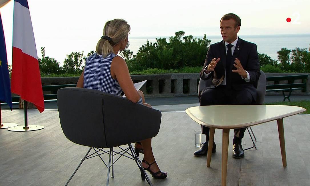 Macon em entrevista à TV France2, em Biarritz Foto: - / AFP