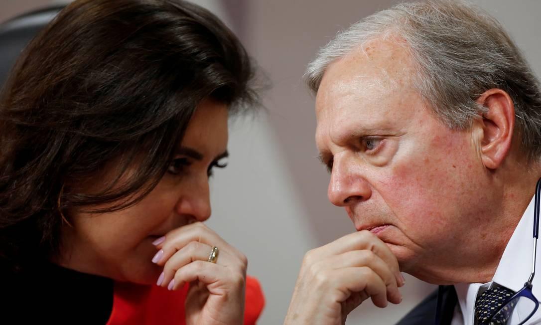 Senadora Simone Tebet e o senador Tasso Jereissati durante sessão da CCJ da Previdência Foto: Adriano Machado / Reuters