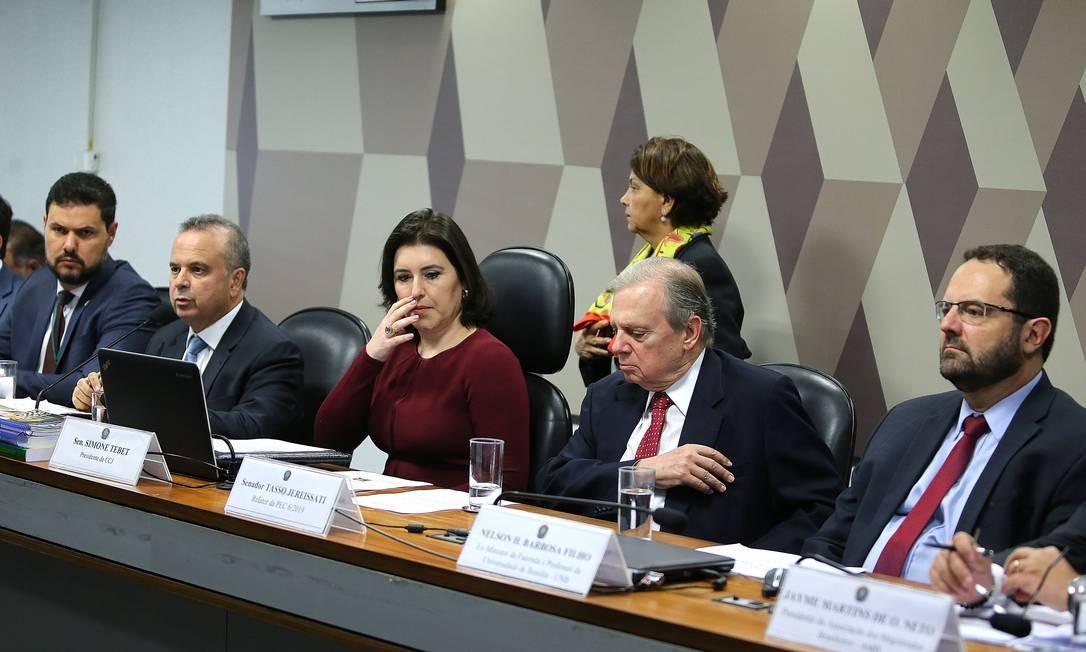 A CCJ do Senado presidida pela senadora Simone Tebet (MDB- MS) e sob a relatoria do senador Tasso Jereissati Foto: Jorge William / Agência O Globo
