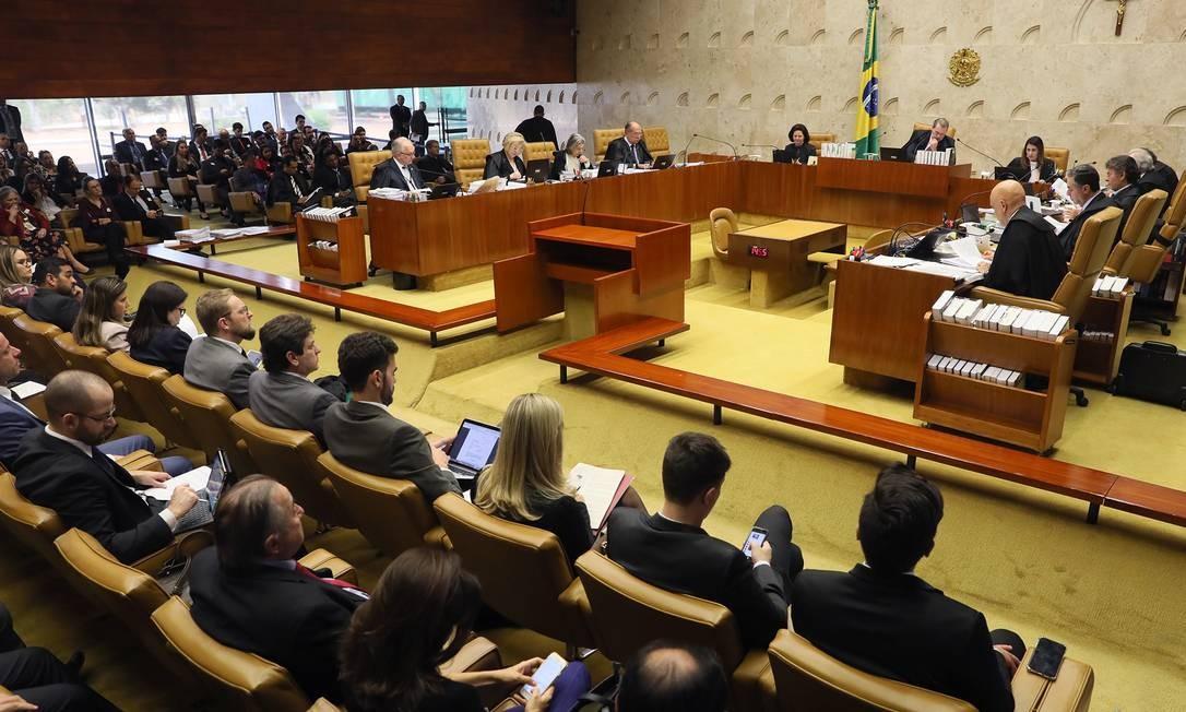 O plenario do Supremo Tribunal Federal (STF) durante o julgamento das ações Foto: Nelson Jr / Agência Globo