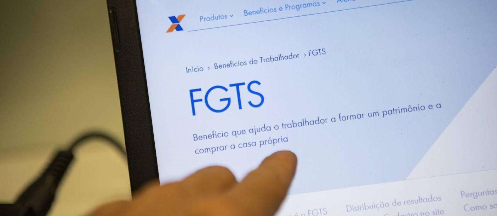 Plataforma Digital da Caixa para acesso ao FGTS Foto: Gabriel Monteiro / Agência O Globo