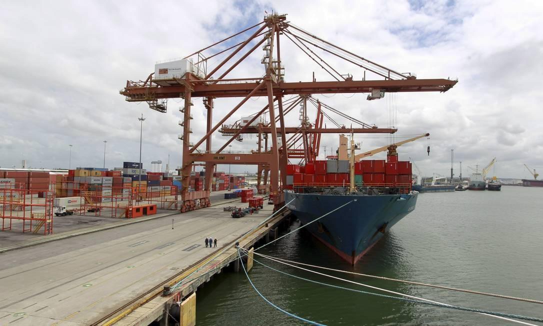 Cabotagem nos portos do Brasil Foto: Domingos Peixoto / Agência Globo