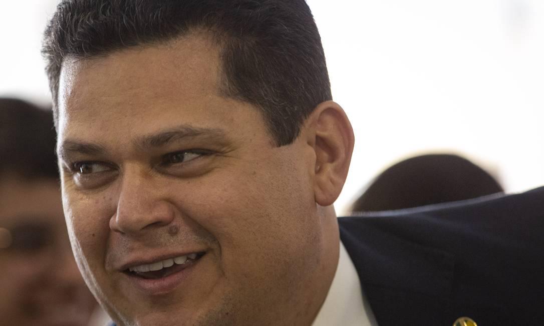 O presidente do Senado, Davi Alcolumbre, durante sessão do Congresso Foto: Daniel Marenco / Agência O Globo