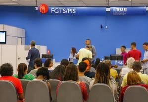 Começa nesta sexta liberação do saque do FGTS para não correntistas da Caixa Foto: Marcelo Régua / Agência O Globo