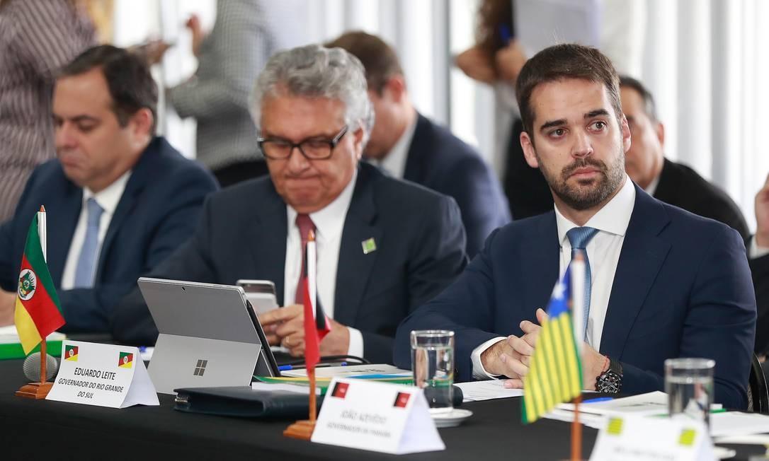 Com crise fiscal, governadores como Ronaldo Caiado (centro) e Eduardo Leite (à direita) traçam reformas administrativas para reduzir custo com pessoal Foto: Itamar Aguiar / Agência O Globo