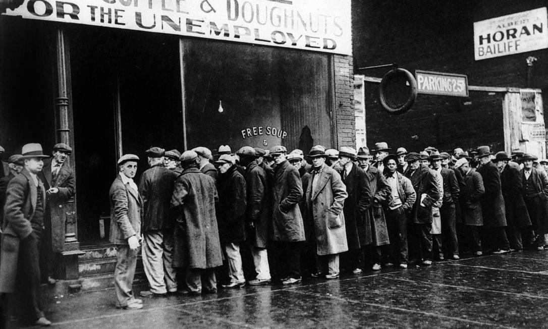 A alta das tarifas, que visava proteger empregos, teve o efeito contrário: agravou a depressão econômica Foto: Reprodução do livro Os inventores do New Deal