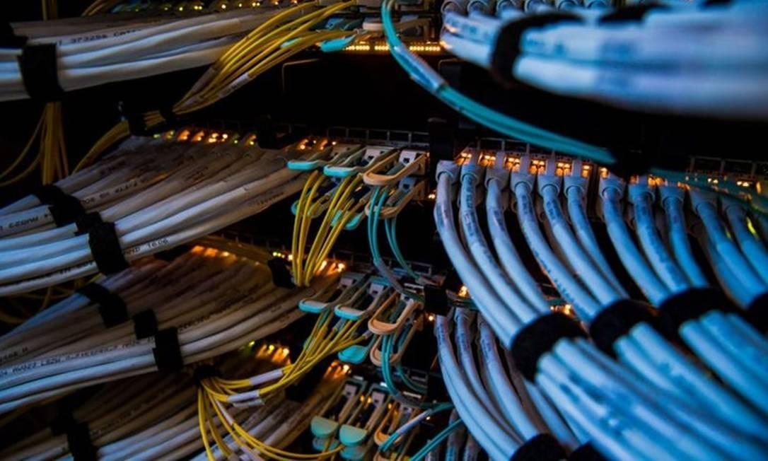Cabo de fibra ótica: ampliar rede é fundamental para a realização do leilão de 5G Foto: Bloomberg