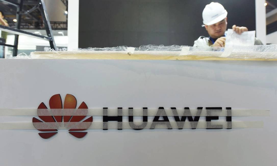 A Huawei teve aval do governo britânico para fornecer parte das peças necessárias à rede 5G Foto: . / Reuters