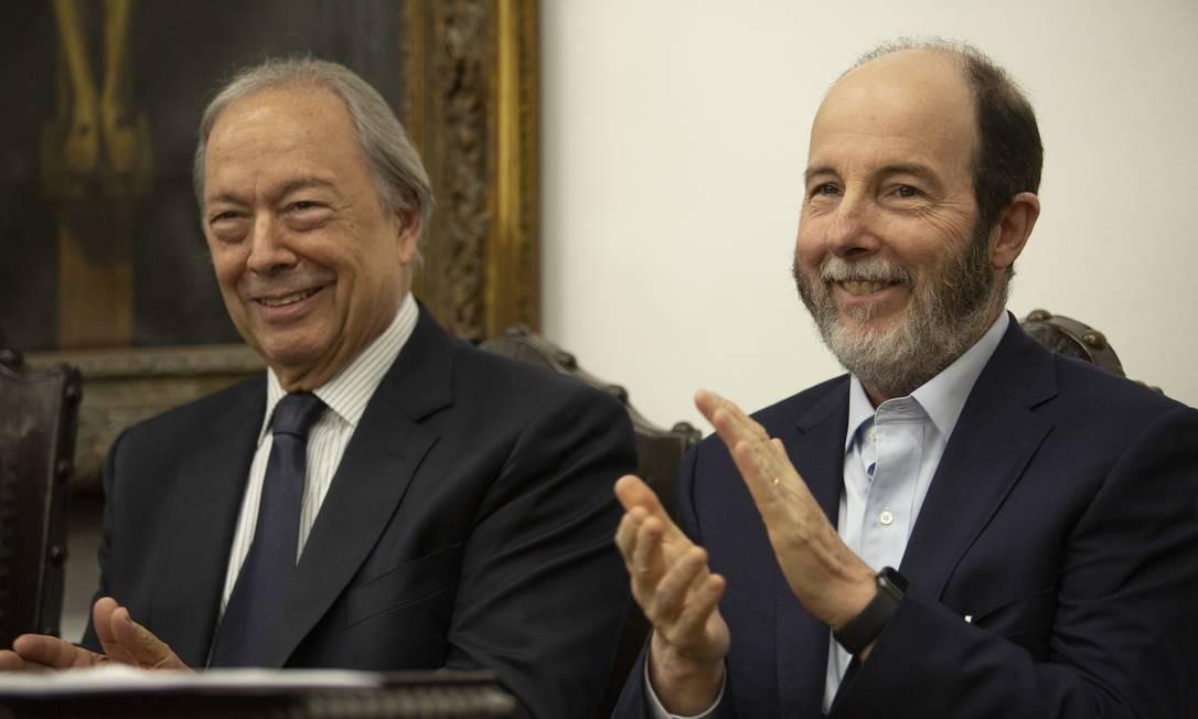 Pedro Malan e Armínio Fraga em evento na PUC-Rio Foto: Gabriel Monteiro / Agência O Globo