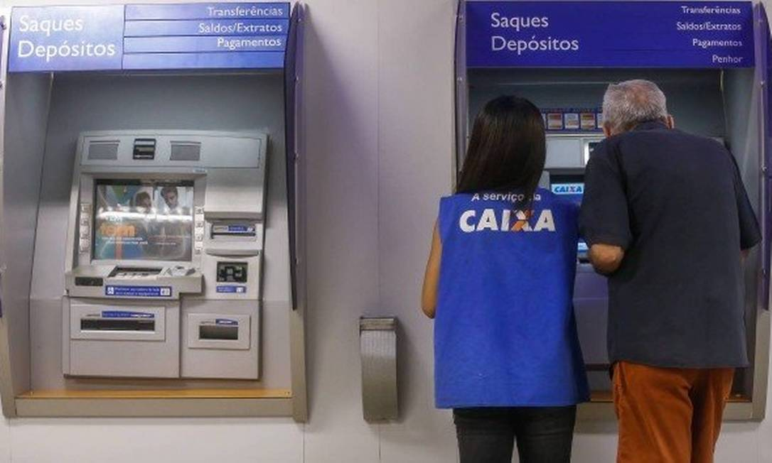 Os saque imediato ou emergencial de FGTS pode ser feito até março de 2020 Foto: Marcelo Régua/Agência O Globo