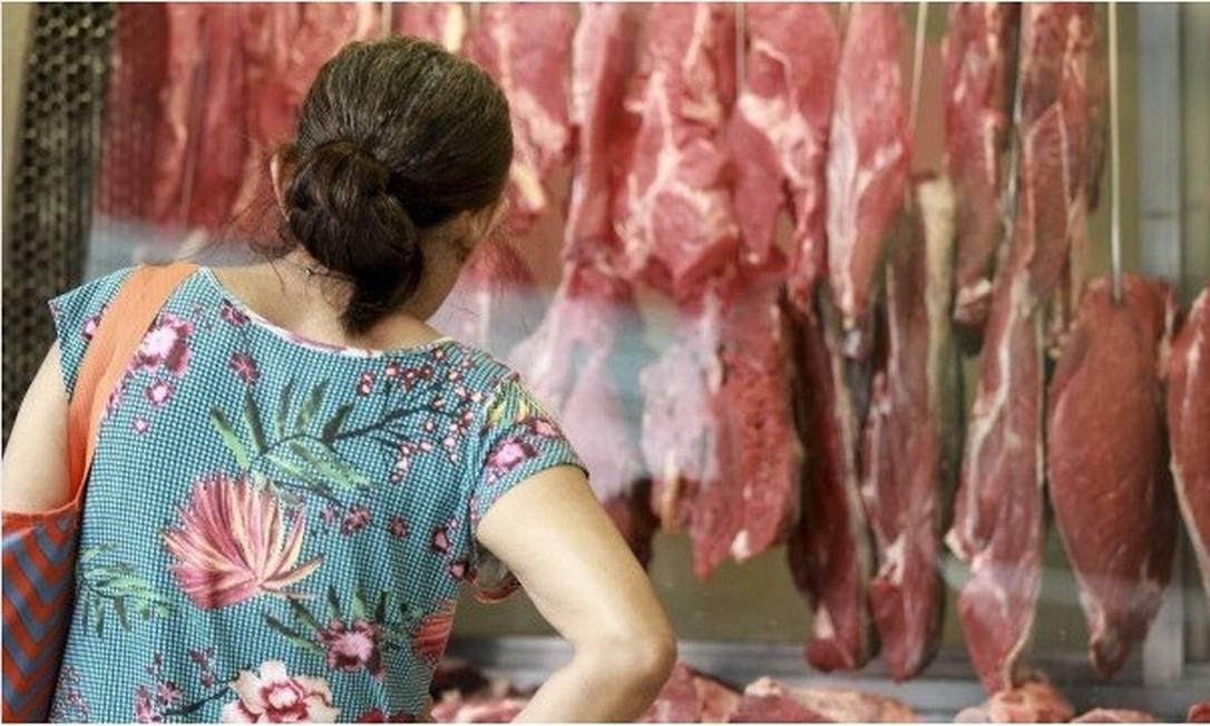 Em 12 meses, o preço da carne subiu mais de 30% Foto: Gabriel de Paiva / Agência O Globo