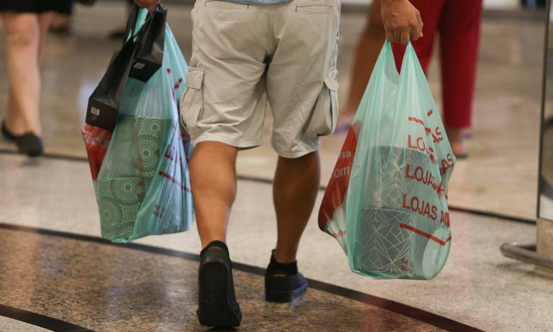 Compras de Natal em Shoppings do Rio. Foto: Pedro Teixeira / Agência O Globo