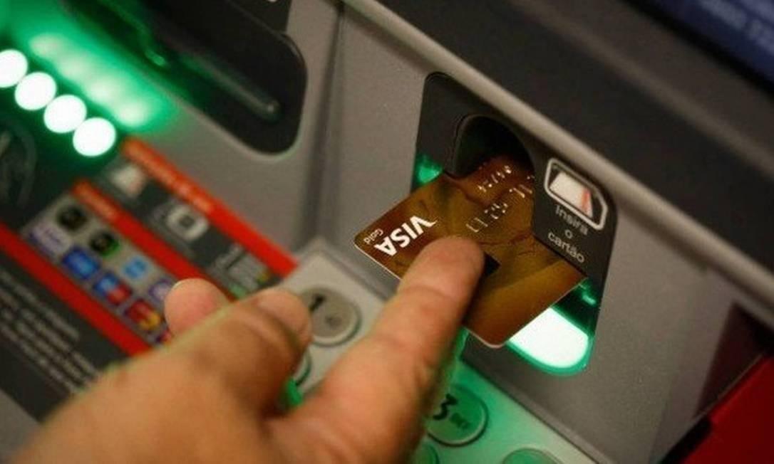 Clientes podem usar os caixas eletrônicos para fazerem pagamentos Foto: Arquivo