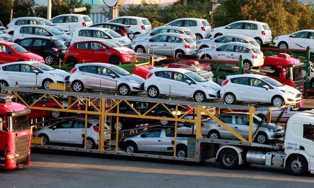 Com Covid-19, empresas dão desconto no seguro do carro Foto: Paulo Whitaker / Reuters