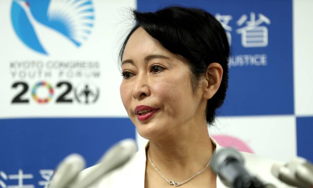 A ministra da Justiça do Japão, Masako Mori, fala durante uma conferência de imprensa sobre a fuga de Carlos Ghosn Foto: Behrouz Mehri / AFP