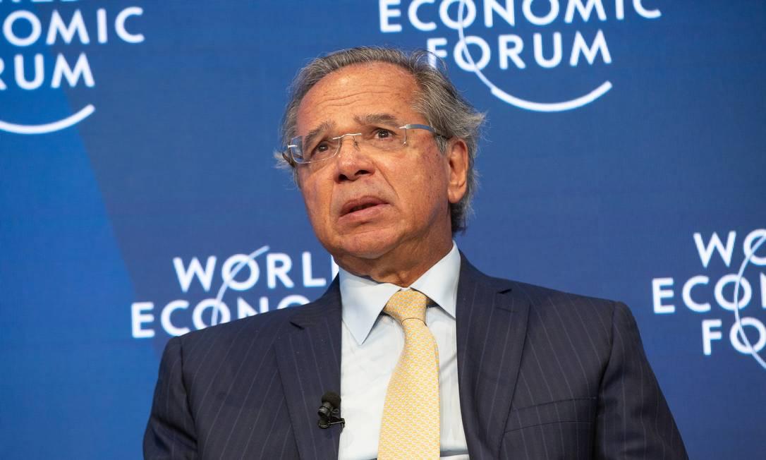Ministro da Economia, Paulo Guedes, se despede de Davos Foto: christian clavadetscher / Agência O Globo