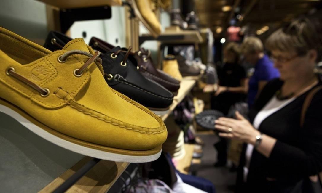 Com impasse sobre desoneração, fica até complicado para uma empresa saber que preço estabelecer para um par de sapatos Foto: Bloomberg