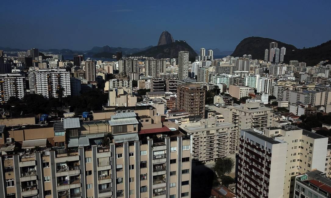 Analistas consideram que taxa fixa, lançada pela Caixa para financiamentos, dará mais segurança ao comprador Foto: Custódio Coimbra / Agência O Globo