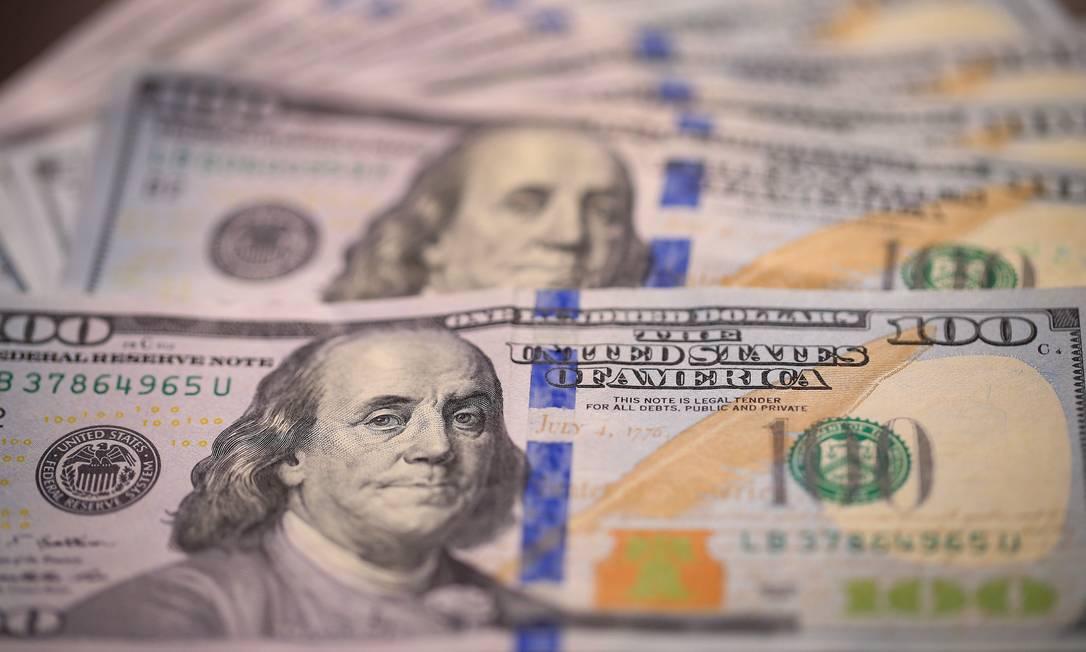 Cédulas de dólar, a moeda oficial dos Estados Unidos Foto: Roberto Moreyra / Agência O Globo