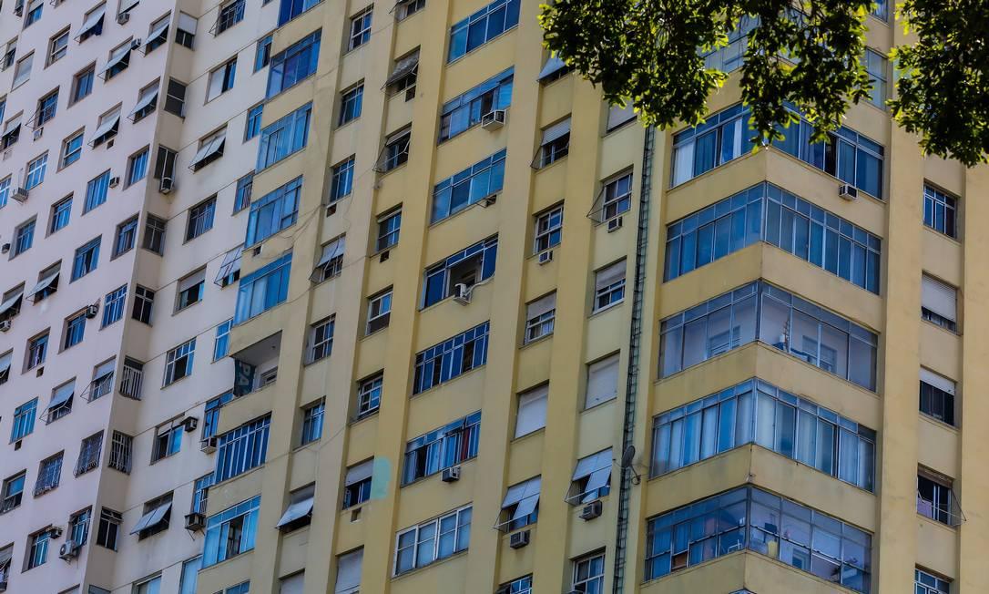 Coronavírus exige uma série de cuidados nos condomínios Foto: Marcelo Régua / Agência O Globo