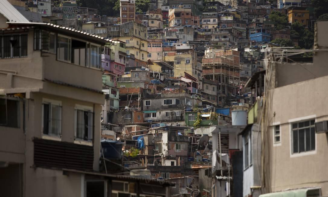 É preciso garantir condições econômicas para que os moradores da periferia se protejam Foto: Gabriel Monteiro / Agência O Globo