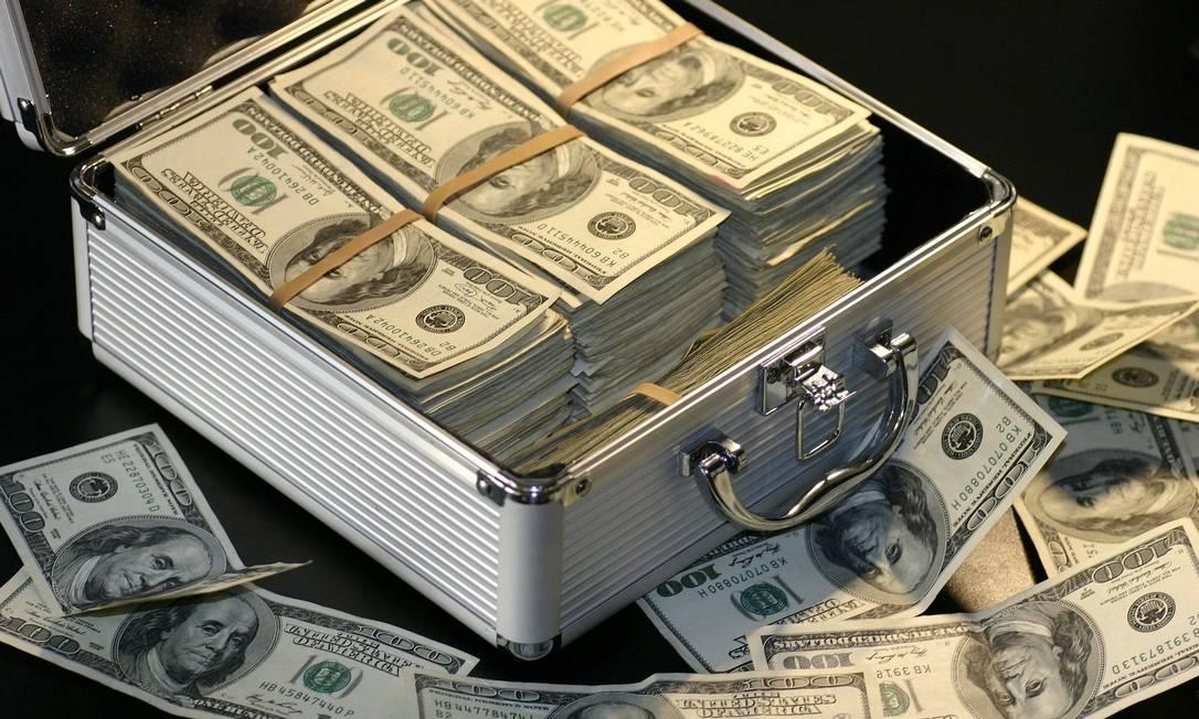 Dólar operava em alta ante o real no início do pregão. Foto: Pixabay