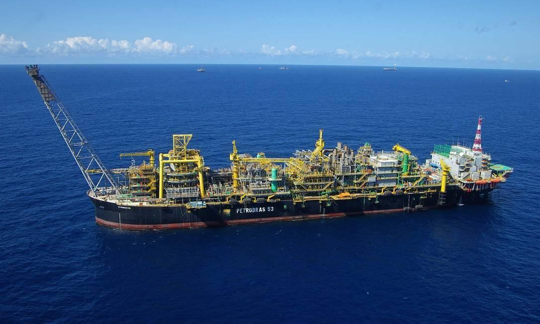 Um total de 78 petroleiros embarcados testaram positivo para Covid-19 Foto: Agência Globo